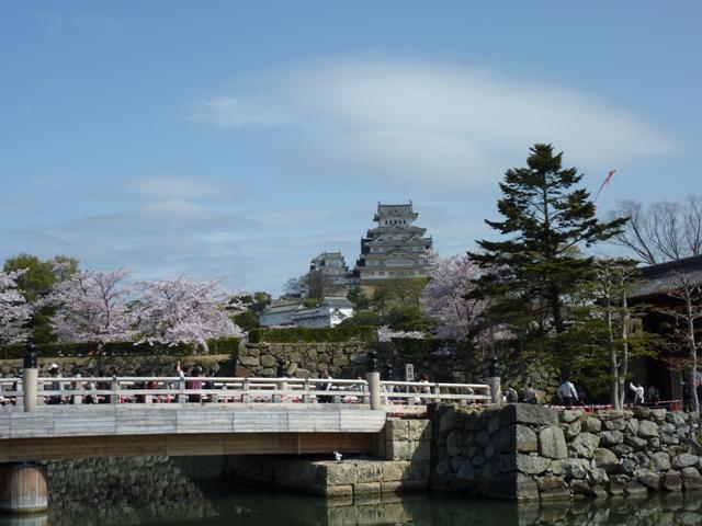 橋と姫路城
