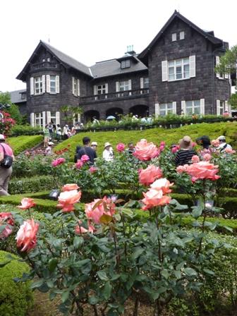 薔薇と邸宅