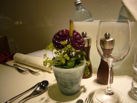食事エリアのテーブル