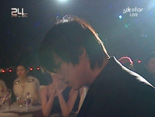 091210 - 2pm Bonsang + Heartbeat + Again.avi_000220920