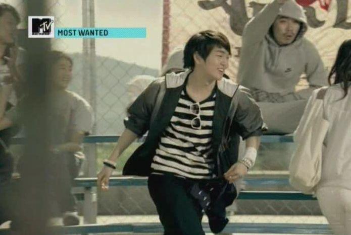 SHINee - 20091125 - MTV Most Wanted [astar].avi_001122654