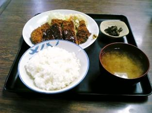 山田ホームレストラン、本日の定食Aポークカツ004