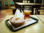 モス とびきりハンバーグサンド きのこと根菜ソテー&チーズ005