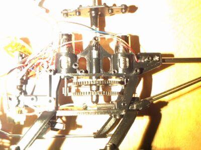 Z008メインシャフトとスプロケット