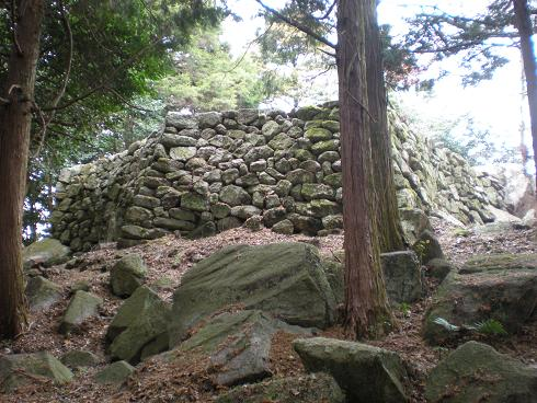 残された石垣を見つけたい