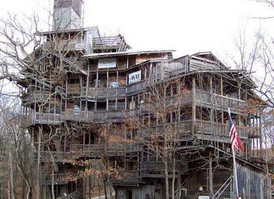 tallest_treehouse_01.jpg