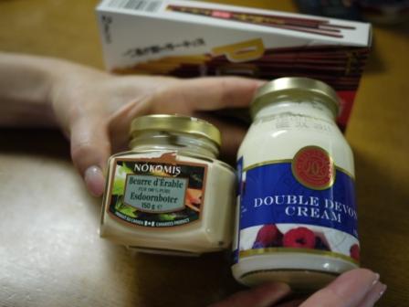 クロテッドクリームとメープルバター