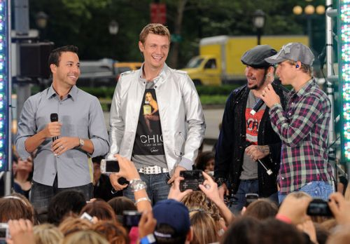 Howie+Dorough+Backstreet+Boys+Peform+CBS+Early+6VT1rMxfRsYl.jpg