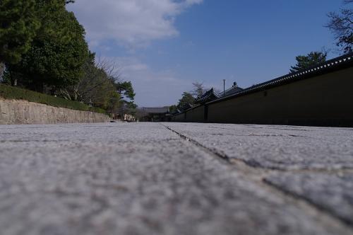 都へ続く石畳