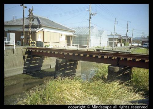 小さい鉄橋