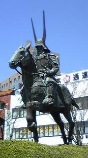 井伊さんの銅像