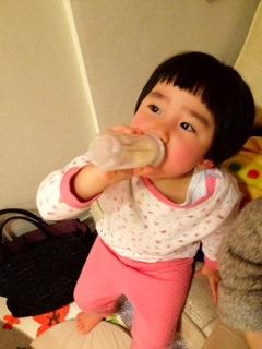 ミルク飲み1