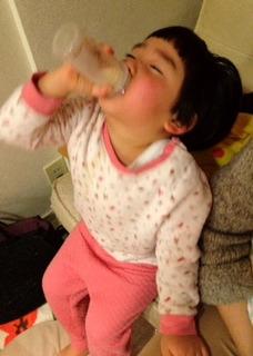 ミルク飲み2