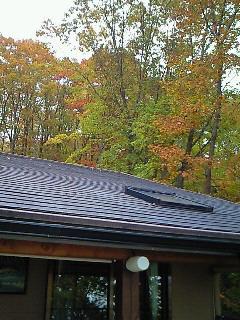 200910170929000別荘の屋根