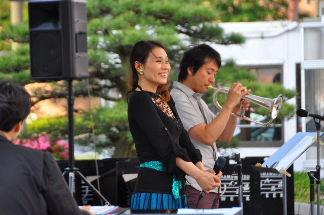 10浜松駅北口ライブ3