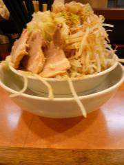 盛郎らーめん 麺200g+野菜増し