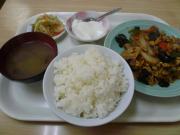 ランチ2(玉子と豚肉ときくらげ炒め)