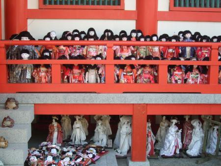 10日本人形群