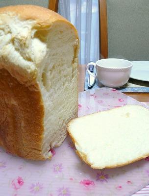 100211焼き立て食パン