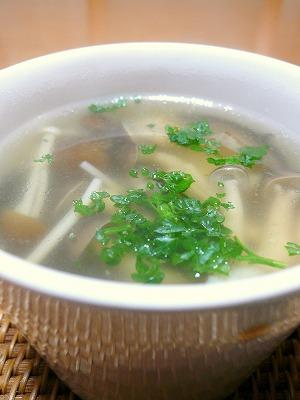 110225きのこスープ