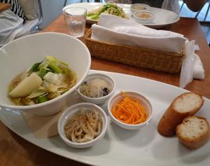渋谷の野菜のカフェ2