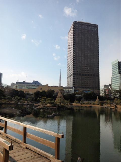 貿易センタービルと東京タワー