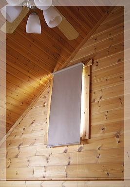 吹き抜け窓ロールスクリーン-1