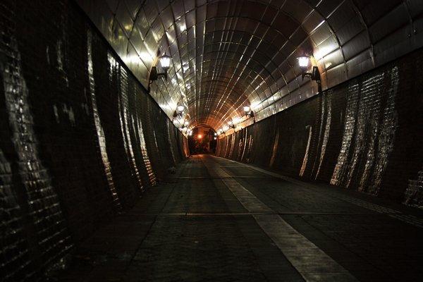 100425_195400北吸トンネル600