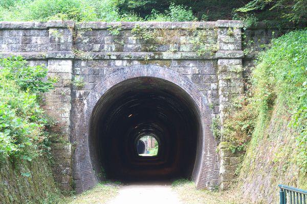 100912_121952_4号トンネル(横川側)_600