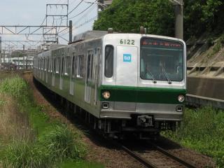 これまでの千代田線の主力車両である営団6000系。
