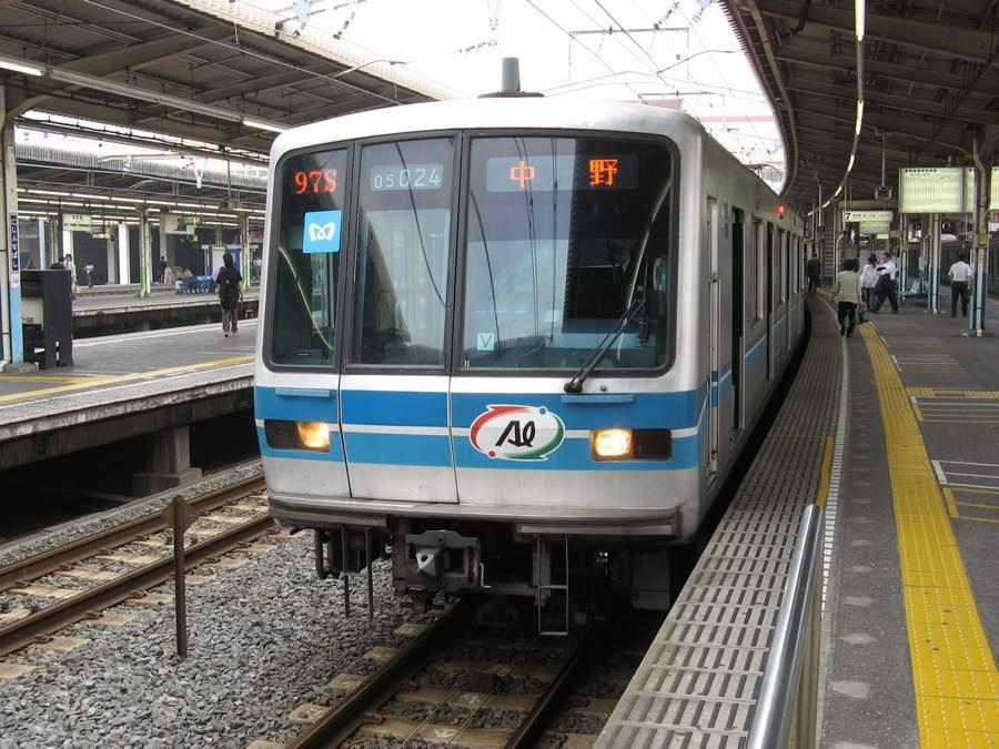 05系第24編成は5000系の廃車体からリサイクルしたアルミ合金が使用された「アルミリサイクルカー」。