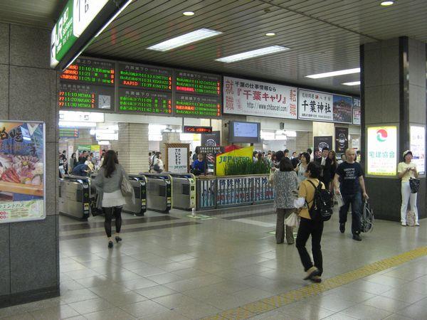 今後橋上駅舎に移動する東口改札。現在はまだ変化は無い。
