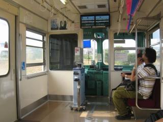 同じく銚子電鉄2000形の車内(運転台側)