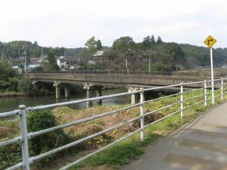 柏井橋。見た目からして相当建設は古いと思われる。