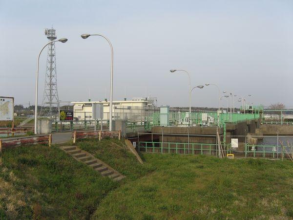 酒直排水機場