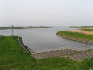 利根川に注ぐ長門川。利根川の河口(千葉県銚子市)から66.5km地点。