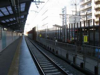 下り線の仮線切替後の京成曳舟駅ホーム