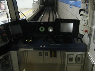 神戸市営地下鉄5000形の運転台