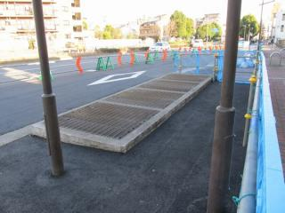 小竹向原~千川間の地上にある換気口。(写真はB線側のもので、今回事故が発生した地点とは異なる。)