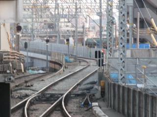 平和島駅上りホームから新旧接続点を見る