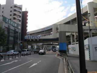 第一京浜(国道15号線)踏切。