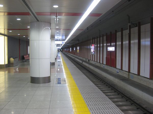 空港第2ビル駅の増設ホーム