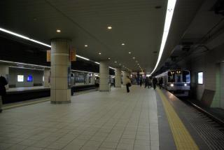 地下化された成城学園前駅。