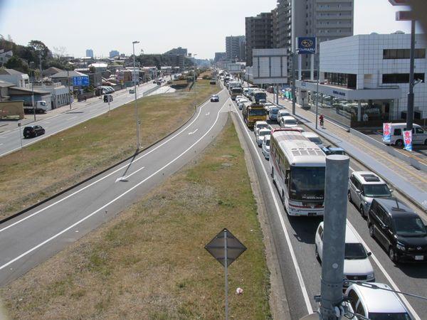 大渋滞の国道14・357号線