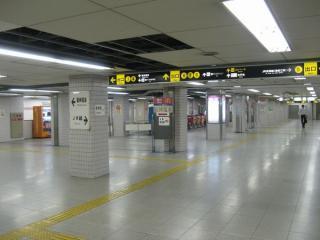 地下鉄千日前線野田阪神駅中東改札口