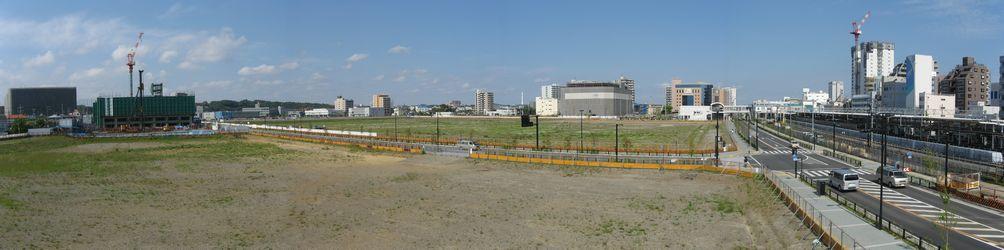 辻堂駅西側の歩道橋から見た再開発地全景。