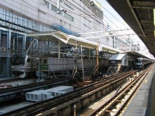 東海道線ホーム(7・8番線)から見た横須賀線ホーム大船寄りの延伸部