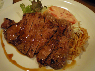 赤ちゃん_ステーキ定食