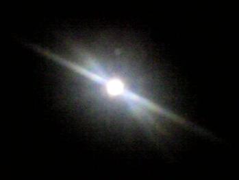 25時、皆既月食1日前の月