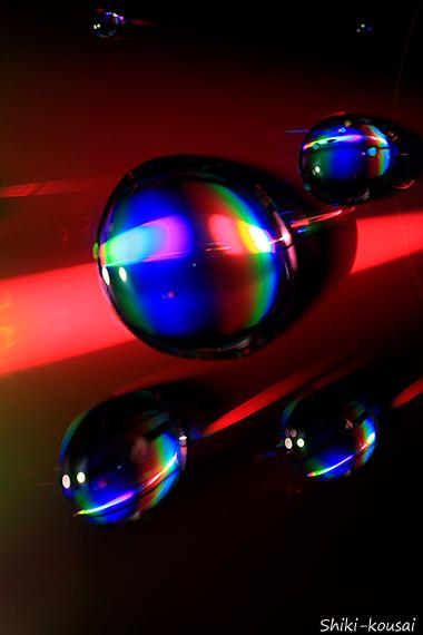 光の水玉写真【大気圏突入】